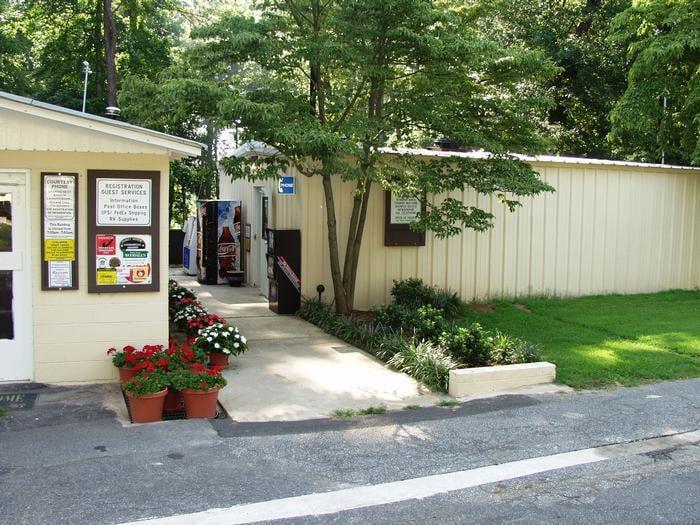 Brookwood Rv Resort Park: 1031 Wylie Rd SE, Marietta, GA