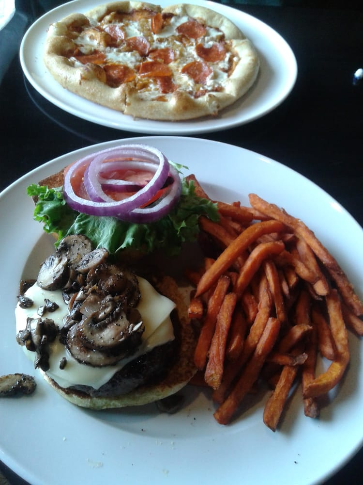 Shroom burger and a pizza excellent yelp for Whiskey kitchen virginia beach