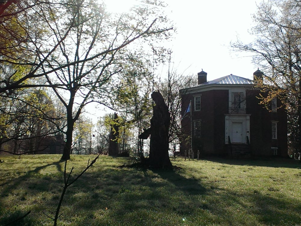 Octagon Hall Museum: 6040 Bowling Green Rd, Franklin, KY