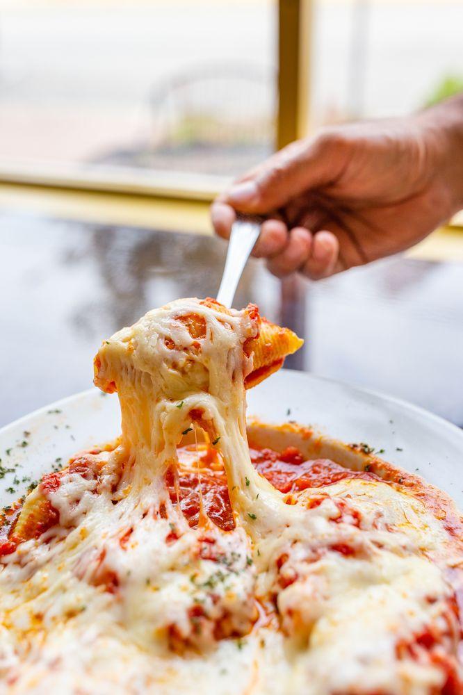 Pizza Empire - Denton: 328 Market St, Denton, MD