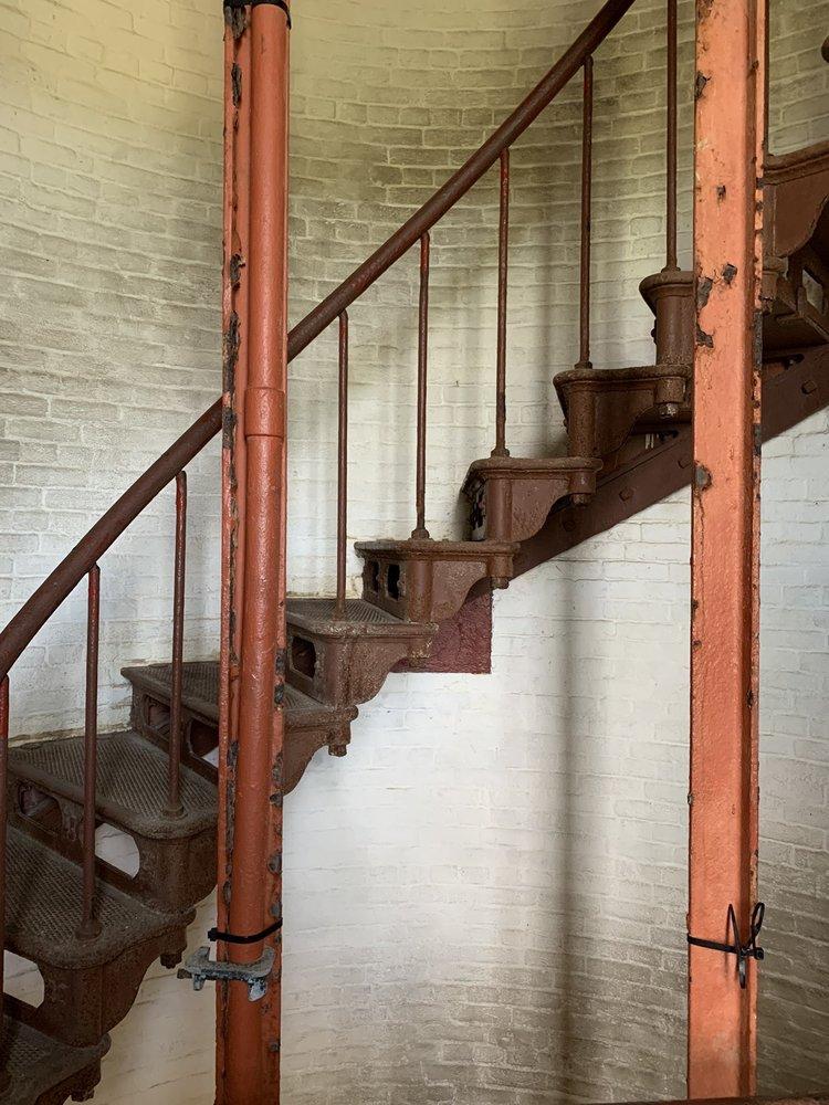 Cape Hatteras Lighthouse: 46813 North Carolina 12, Buxton, NC