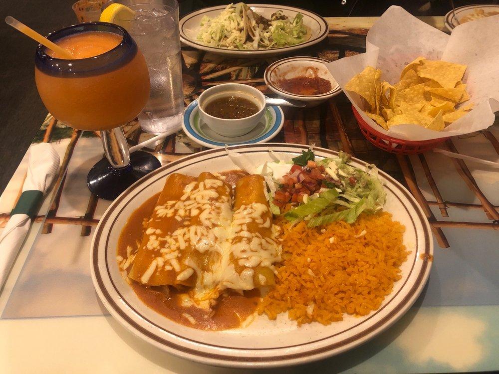 EL Mezcalito: 1200 6th St, Nevada, IA