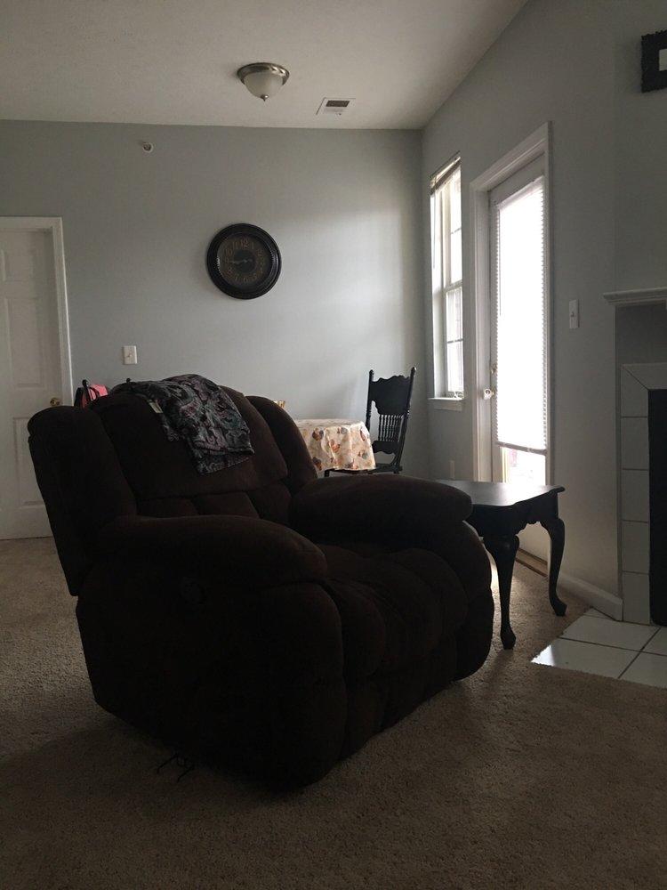 Champion Farms Apartments: 3700 Springhurst Blvd, Louisville, KY