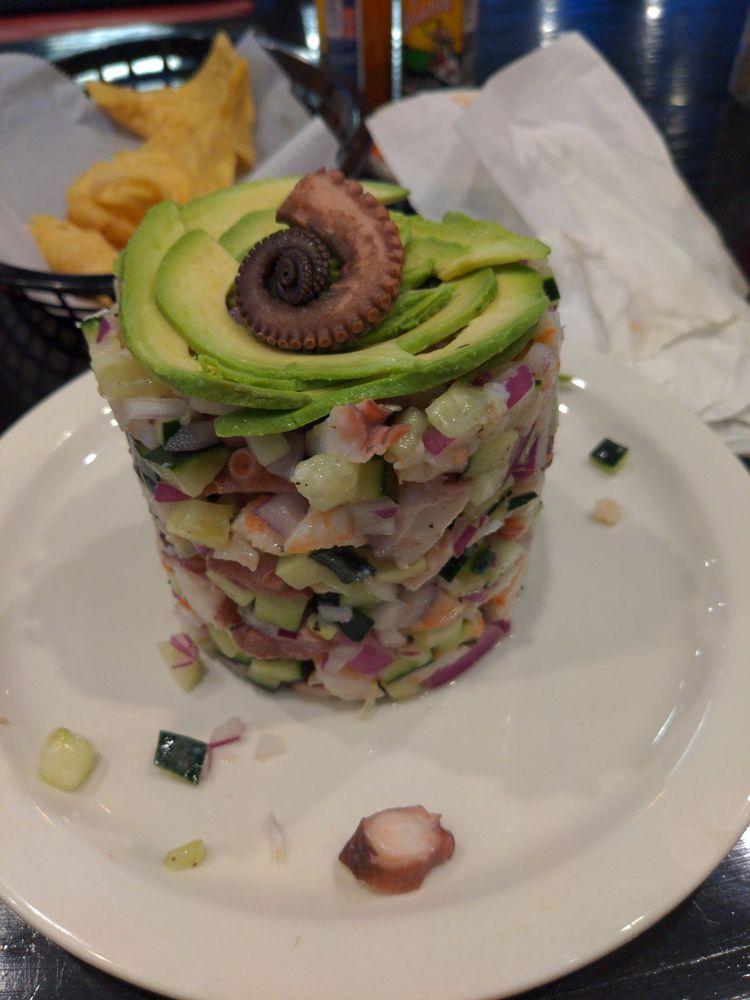 Food from La Iguana Loca