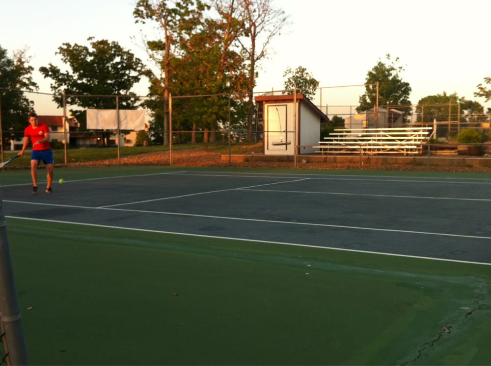 Four Seasons Racquet and Country Club - Slideshow Image 1