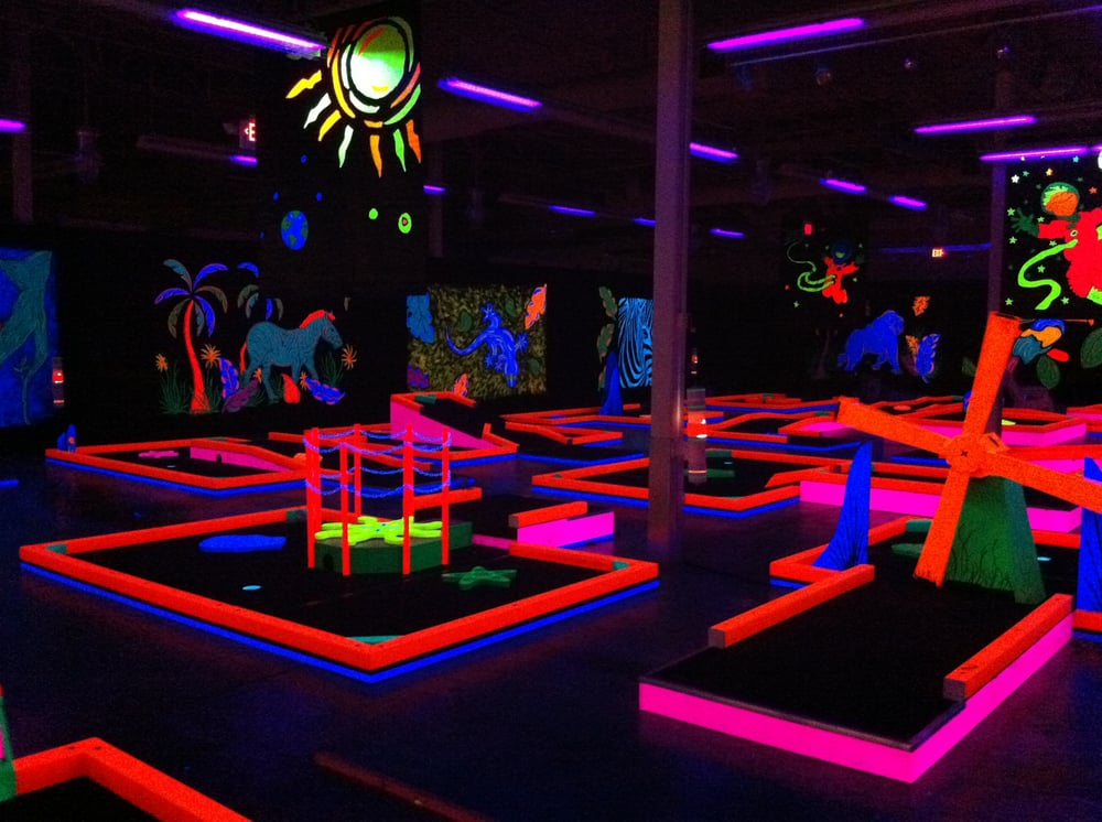 GlowGolf at White Oaks Mall: 2501 Wabash Ave, Springfield, IL