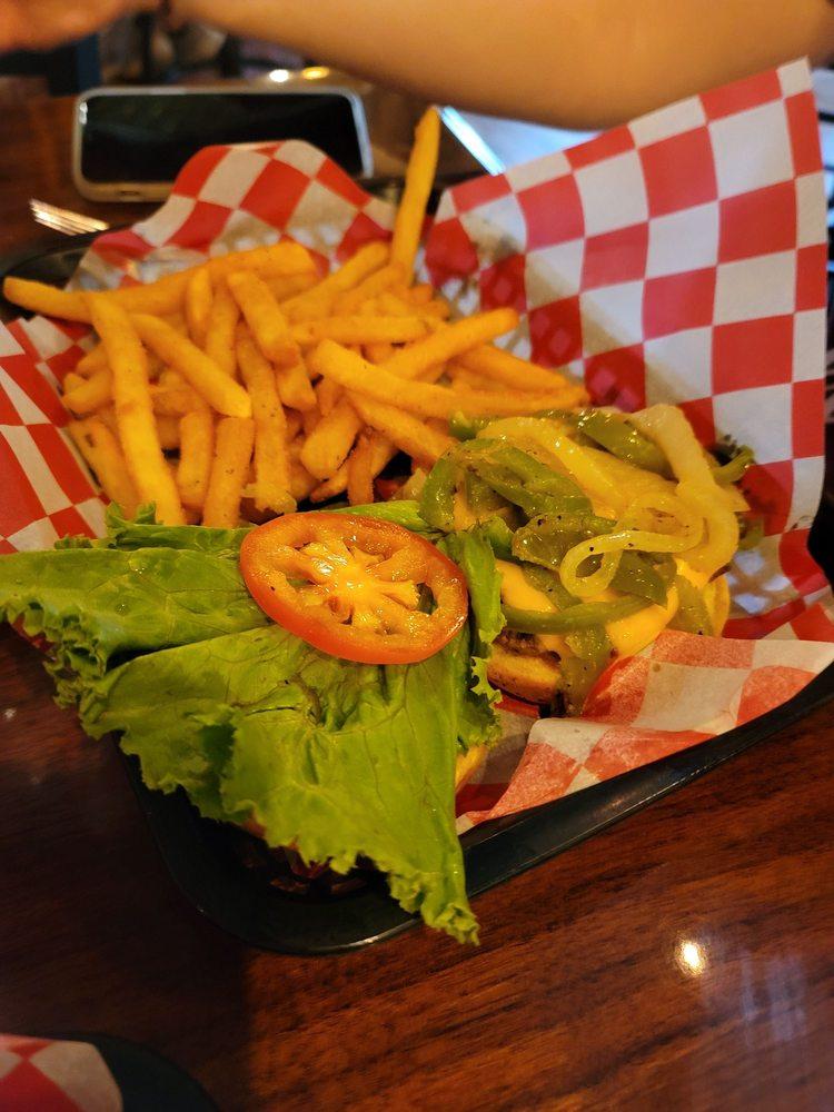Undercliff Grill & Bar: 6385 Old Highway 71, Joplin, MO