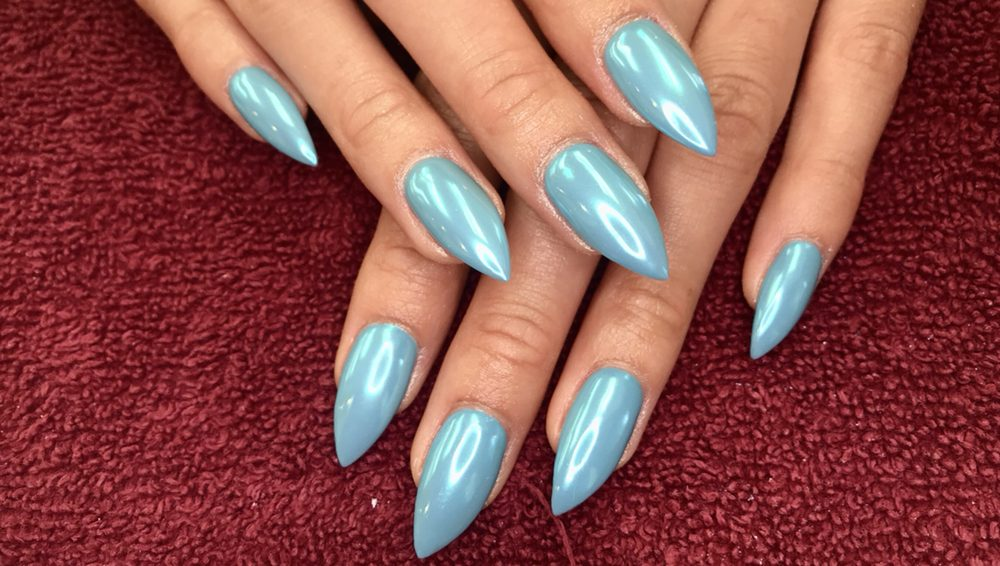Blue chrome. Can be applied on gel manicure, acrylic or dipping ...