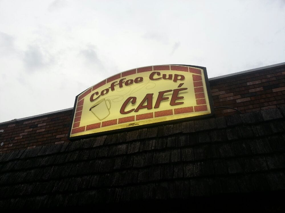 Coffee Cup Cafe: 616 4th St, Sully, IA