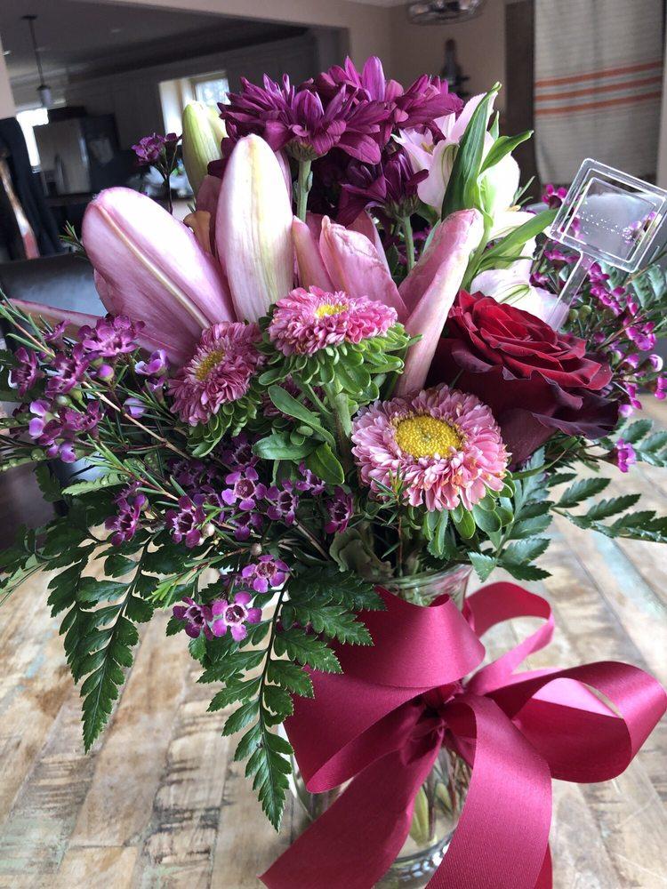 Norman Florist & Greenhouses, Inc.: 620 Greenwood Ave, Hot Springs, AR