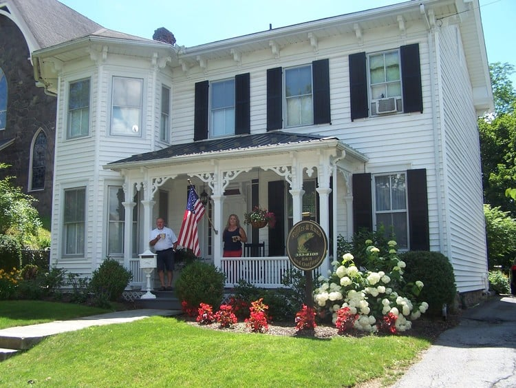 Riffles & Runs Bed & Breakfast and Outfitters: 217 N Spring St, Bellefonte, PA