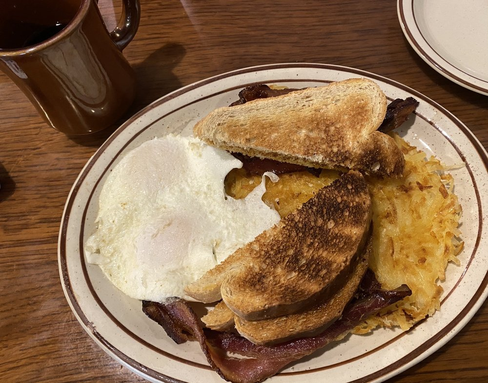 Henry's Diner: 836 Old Lincoln Hwy, Crescent, IA