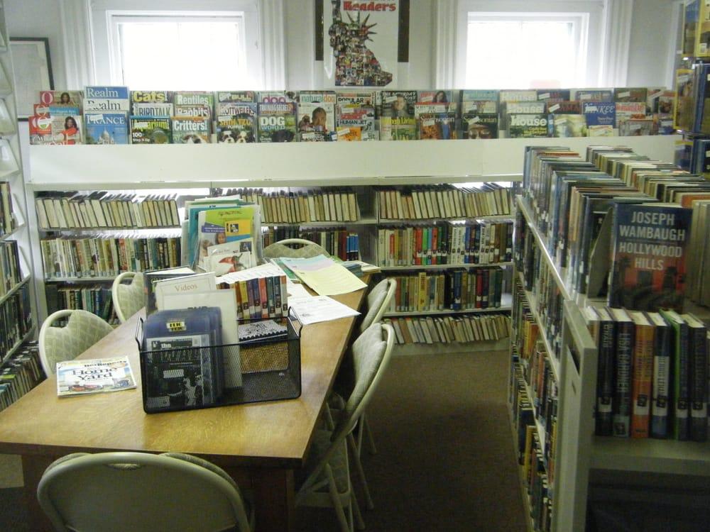 Brooklyn Town Library: 10 Canterbury Rd, Brooklyn, CT