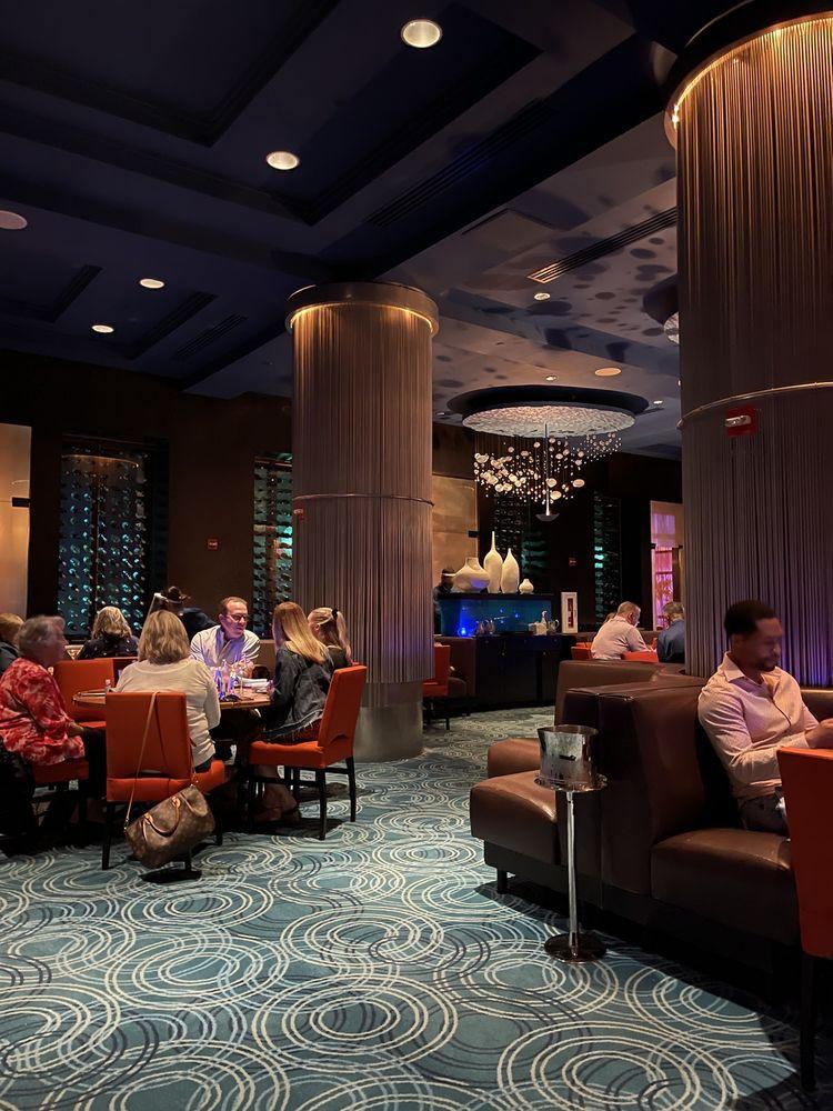 Todd English's bluezoo Lounge: 1500 Epcot Resorts Blvd, Lake Buena Vista, FL