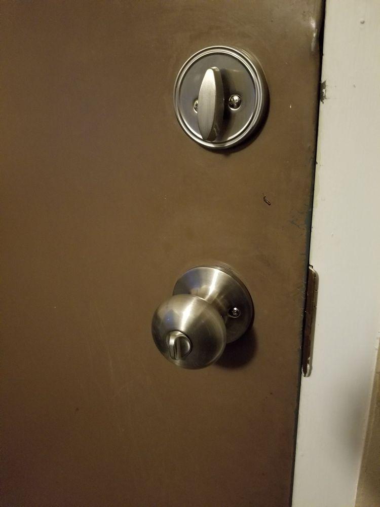 Locksmith Around The Clock: 33523 8 Mile Rd, Livonia, MI