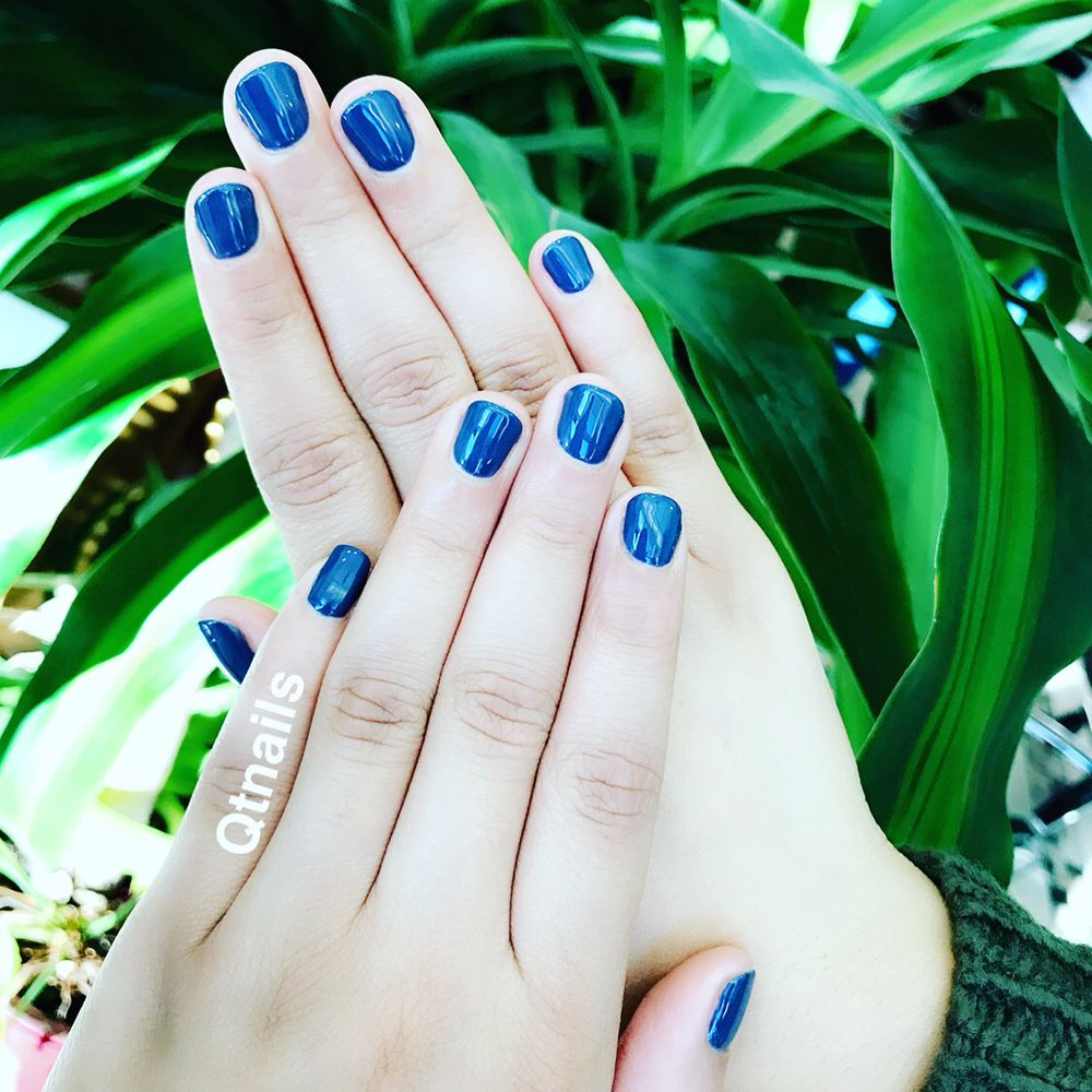 Check out this gel manicure, colored with OPI \