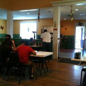 Las Palmas Mexican Restaurant Devine Tx