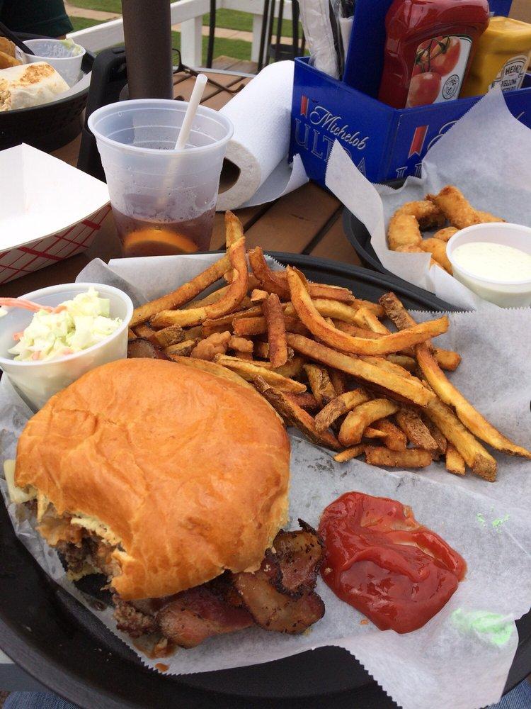 Dockside Bar & Grill: 1001 E Main St, Ottawa, IL