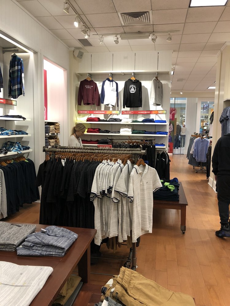 American Eagle Outfitters: 3501 N Granville Ave, Muncie, IN
