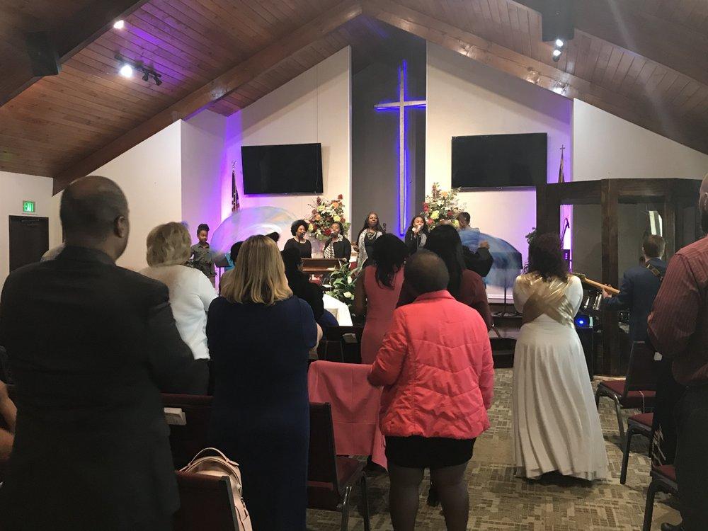 Santa Clarita Christian Fellowship Church: 27754 Church St, Castaic, CA