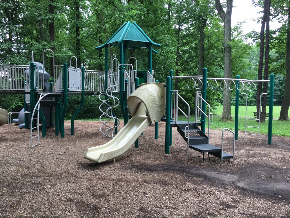 Providence Park: 10722 W Dr, Fairfax, VA