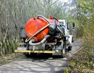 Pump Truck Services: 4080 SE 135th Ln, Summerfield, FL