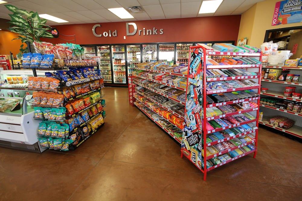 RoadRunner Fuels: 800 S Main Ave, Aztec, NM