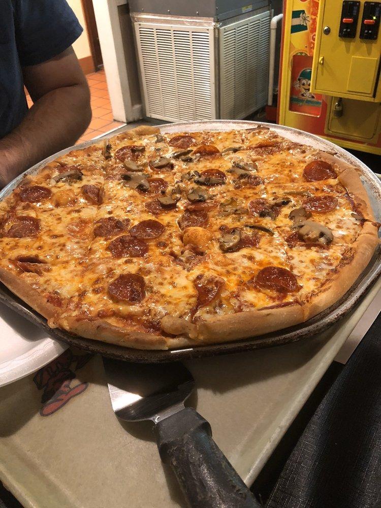 Pasquale's Pizza: 915 2nd Ave NW, Cullman, AL