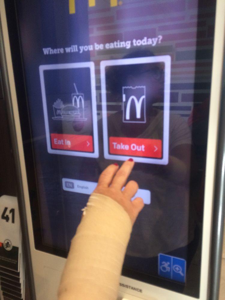 McDonald's: 415 E Frazee, Detroit Lakes, MN