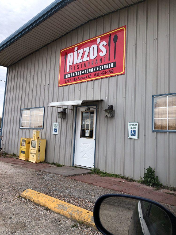 Pizzo's Corner: 2318 N 16th St, Parsons, KS