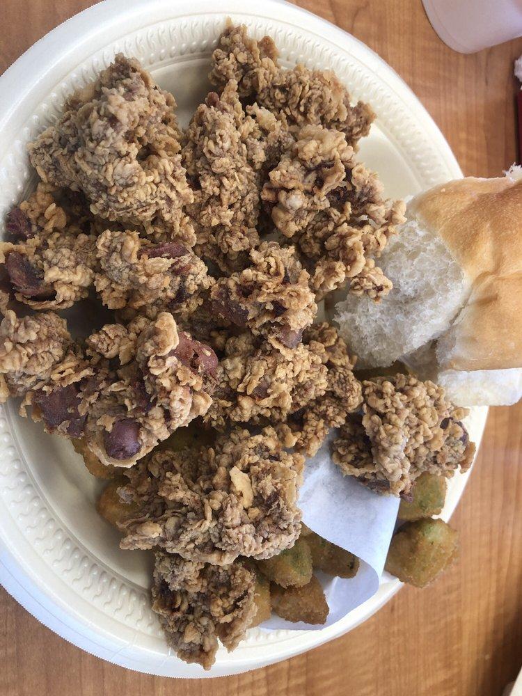 Bush's Chicken: 1004 Lubbock Rd, Brownfield, TX