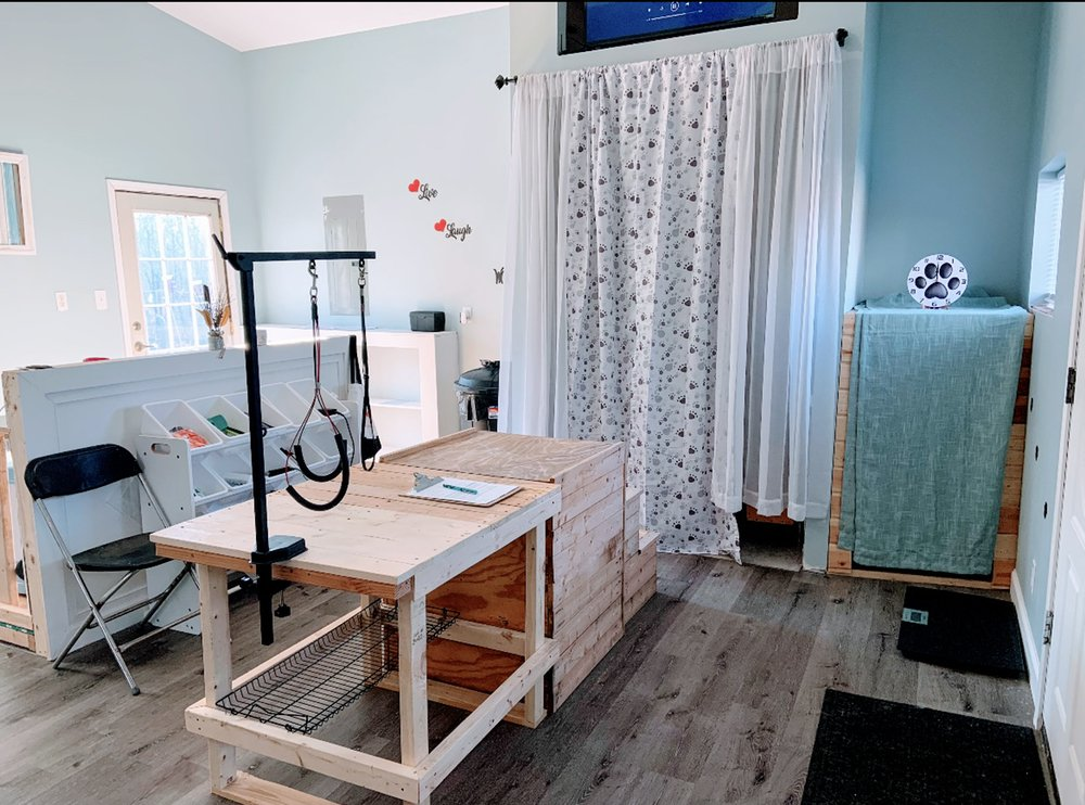 Pampered Pooches: 438 Holden Rd, Defiance, MO