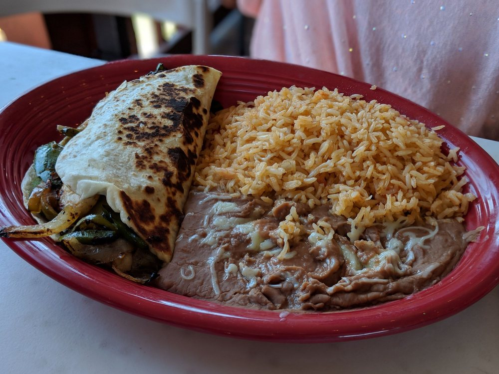 Los MaGueys Mexican Restaurant: 8774 Dallas Acworth Hwy, Dallas, GA
