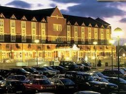 Village Urban Resort - Cardiff