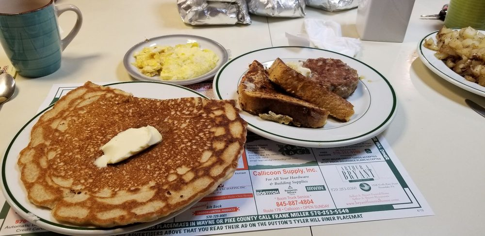 Dutton's Tyler Hill Diner: 1362 Cochecton Tpke, Tyler Hill, PA