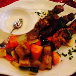 foto di lyr milano italia kafta kababs alla griglia
