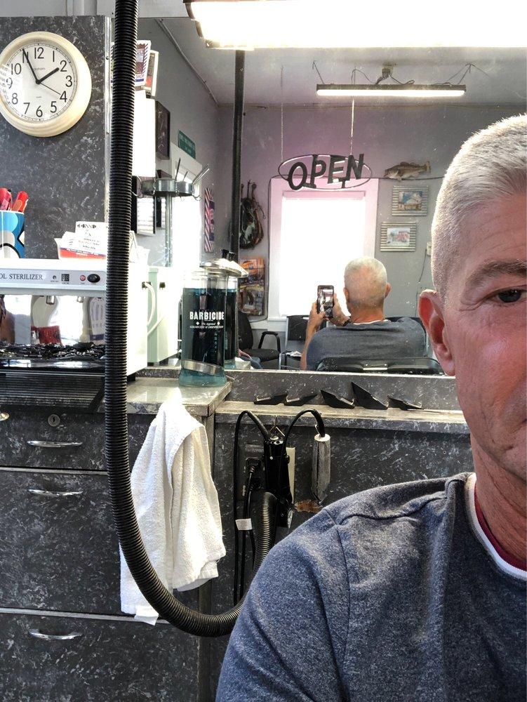 Oliver's Barber Shop: 6245 Chester St, Arlington, TN