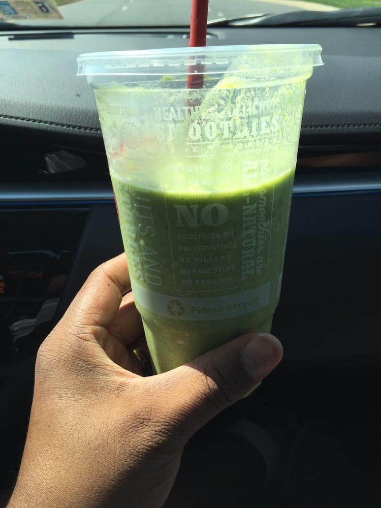 Robeks Fresh Juices & Smoothies: 22035 Dulles Retail Plz, Sterling, VA
