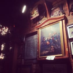 Founding Fathers Pub - Buffalo, NY, United States. Coooooool stuff they got on the walls =)