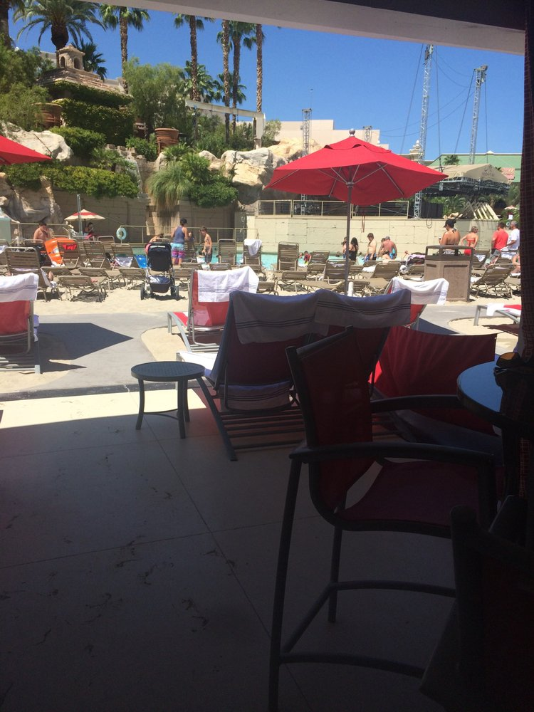 Mandalay Bay 2 Bedroom Suite: View From Cabana, Lots Of Seating!