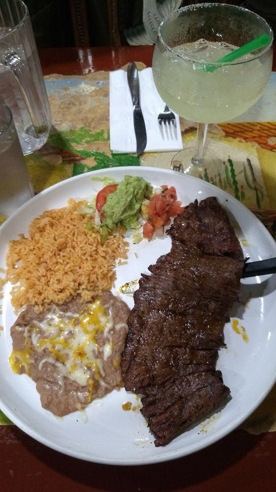 Lago De Chapala Mexican Restaurant: 240 N Maple St, Yamhill, OR