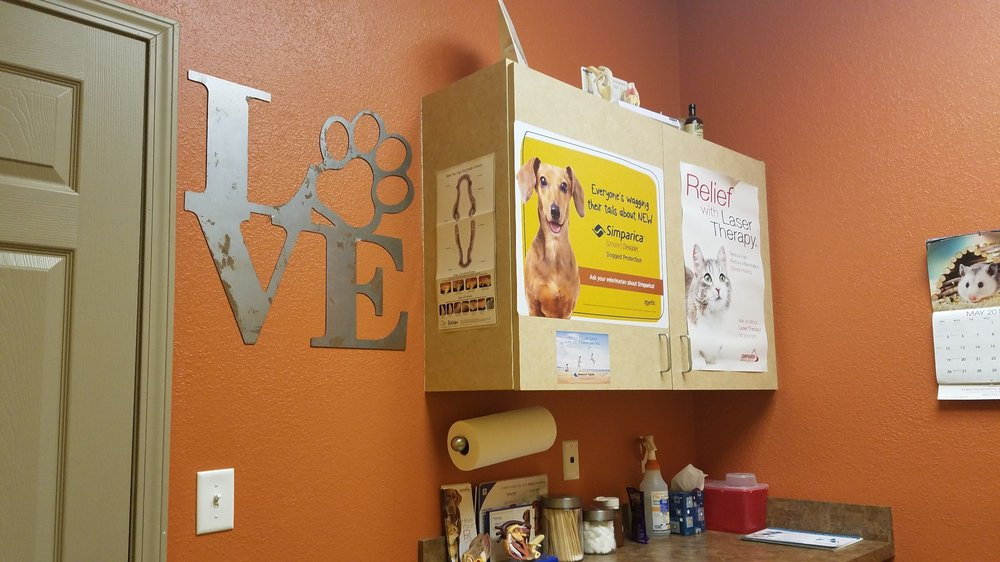 Strothertowne Pet Hospital: 651 SE Bailey Rd, Lee's Summit, MO