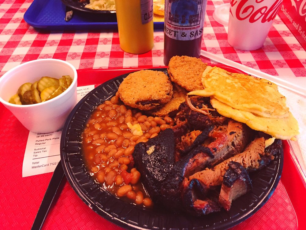 Food from Tom's Blue Moon BBQ
