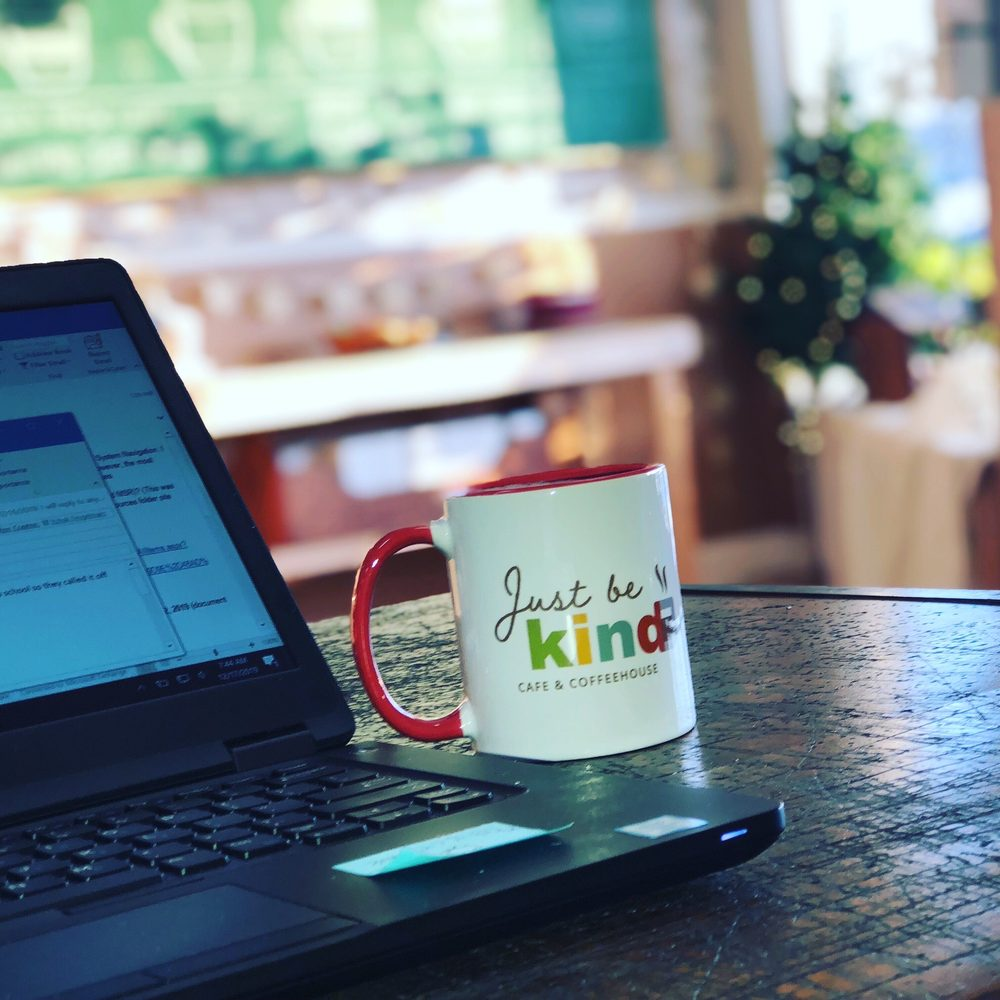 Just Be Kind Cafe: 426 S Main St, De Soto, MO