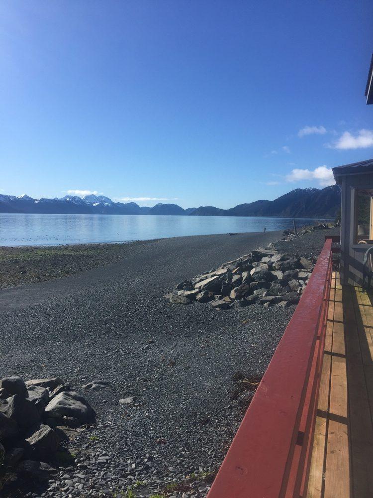 Resurrection Lodge on the Bay: 13970 Beach Dr, Seward, AK