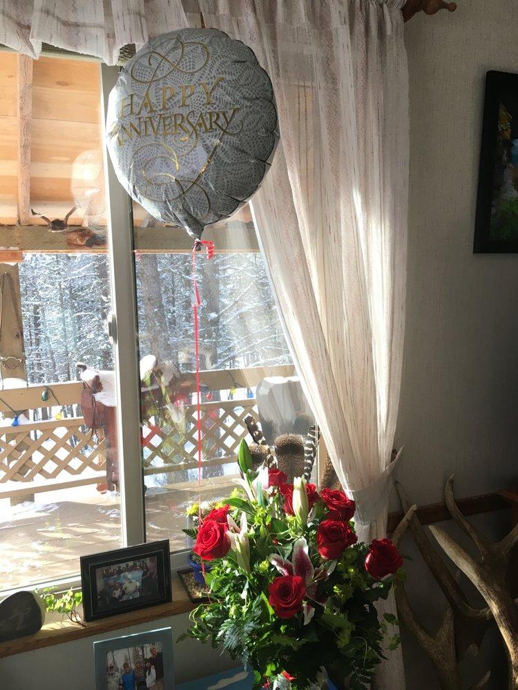 Flowers By Hansen: 128 Main St, Kalispell, MT