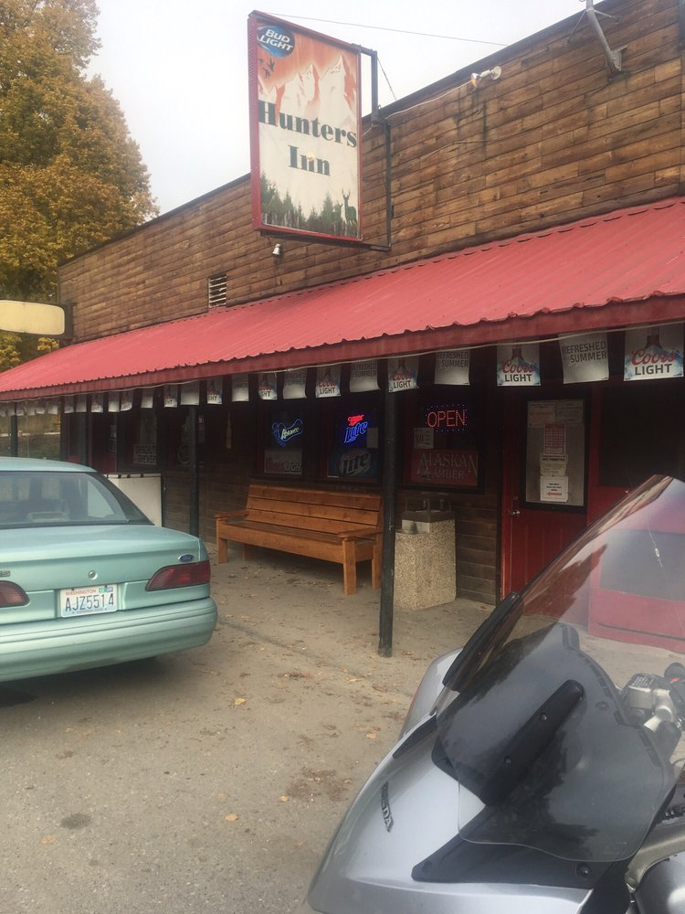 Hunters Inn Tavern: 4493 Spotted Rd, Clayton, WA