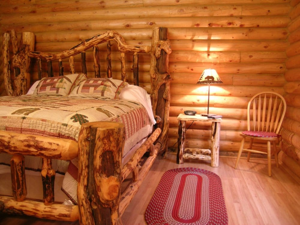 Country Cabins Inn: 21 7th St, Mountain View, WY