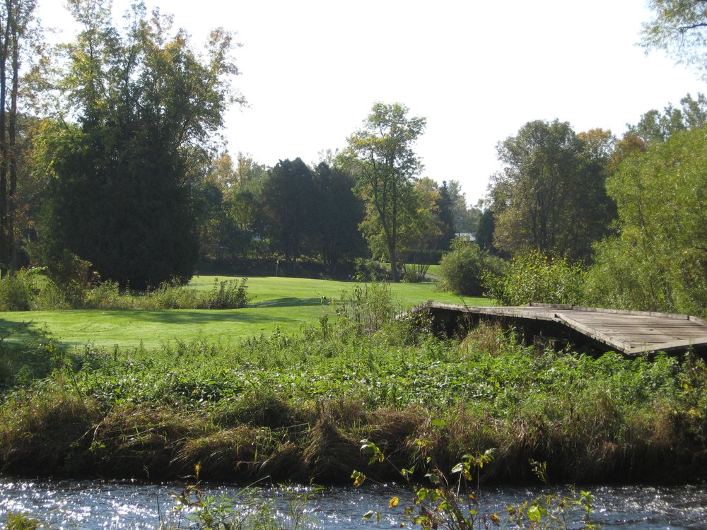 Pine Acres Golf Course: 3235 City Rd EE, Abrams, WI