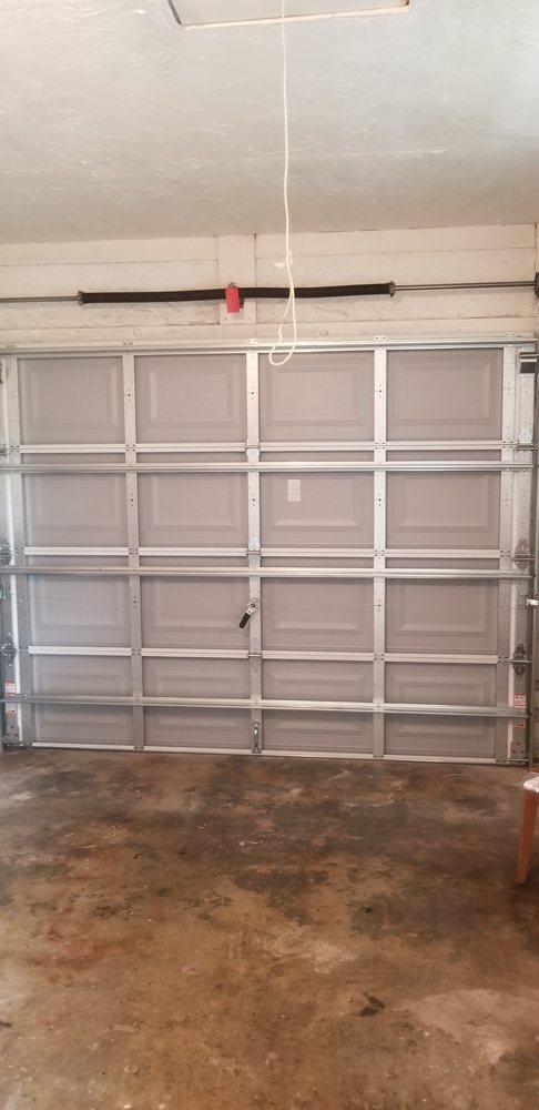 Uneda Garage Door Service Company: 1907 Roslyn Ave, Bradenton, FL